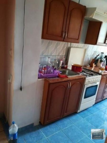 Apartament cu 4 camere zona Pasaj