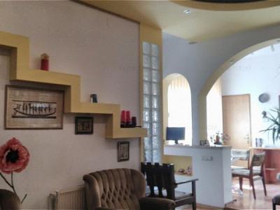 MOBITIM vinde Apartament 3 camere  Centru finisat