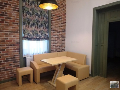 Apartament de lux cu 3 camere de închiriat ultracentral