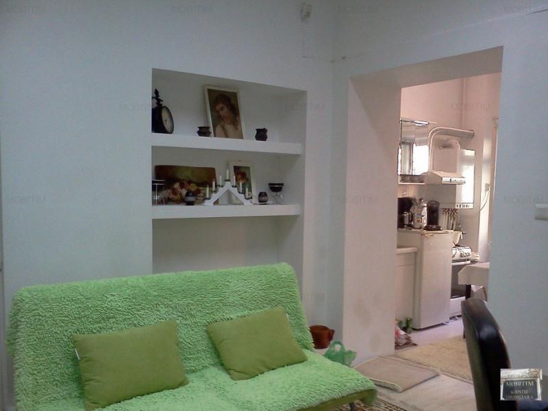 MOBITIM vinde Casa 3 camere, curte interioara, Centru - Cluj-Napoca