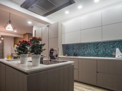 MOBITIM vinde Apartament  De Lux 2 Camere Central !