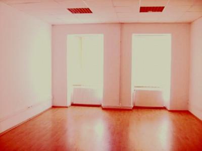 Mobitim vinde apartament  60mp, ultracentral, Cluj Napoca