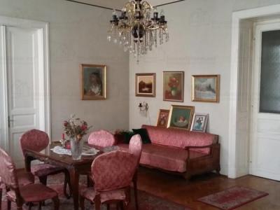 Mobitim vinde apartament 3 camere, in Centru