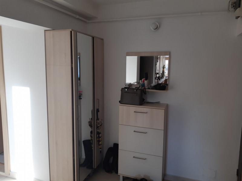 Mobitim vinde apartament 4 camere in zona Interservisan