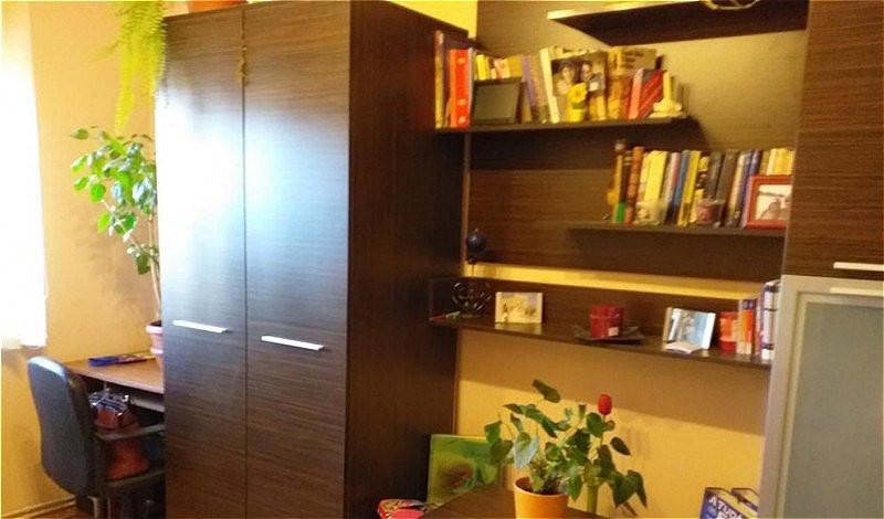 Apartament 4 camere in zona Intre Lacuri