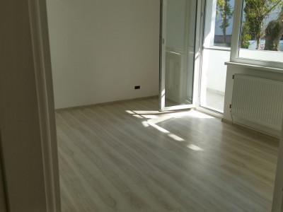Apartament cu 3 camere in zona Calea Floresti