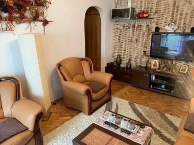 Apartament cu 3 camere in Manastur  zona Putna