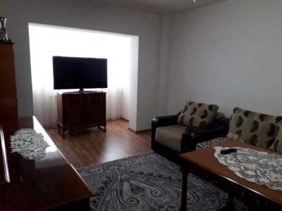 Apartament cu 3 camere in zona Romstal