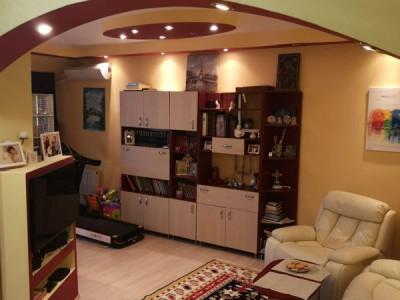 Mobitim vinde apartament 3 camere, finisat modern, zona Floresti