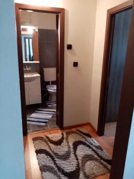 Apartament 2 camere in zona Calea Floresti