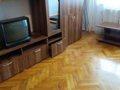 Apartament cu 3 camere in zona Napolact