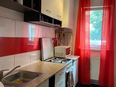 Apartament 2 camere in zona Retezat