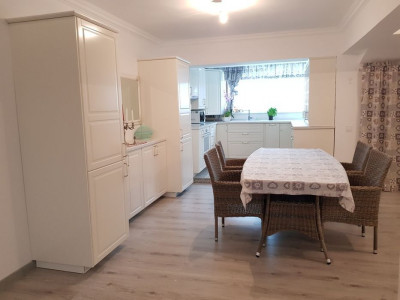 Mobitim vinde 1/2 duplex Floresti, zona rezidentiala