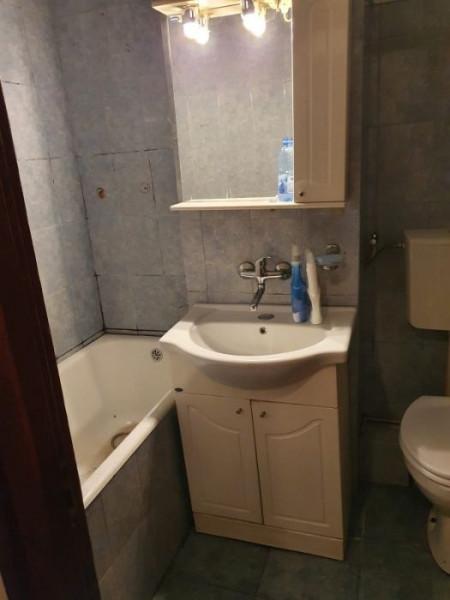 Apartament 3 camere in zona Parang