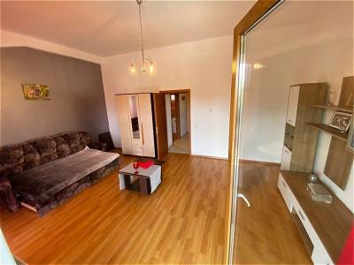 Mobitim vinde apartament decomandat, zona Traian Mosoiu
