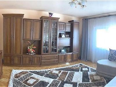 Apartament 3 camere zona Calea Floresti