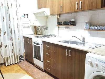 Apartament 3 camere in zona Olimpia
