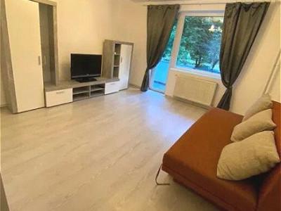 Apartament cu 3 camere in zona Mercur