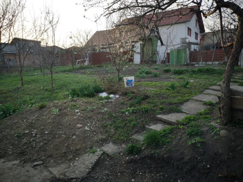 Casa 3 camere, constructie solida, zona Vrancea