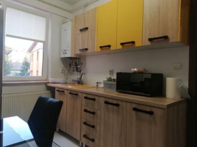 Apartament deosebit 2 camere decomandate, zona Motilor