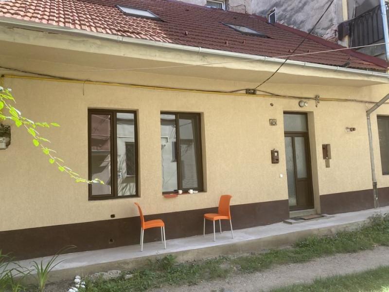 Casa  renovata in Centru