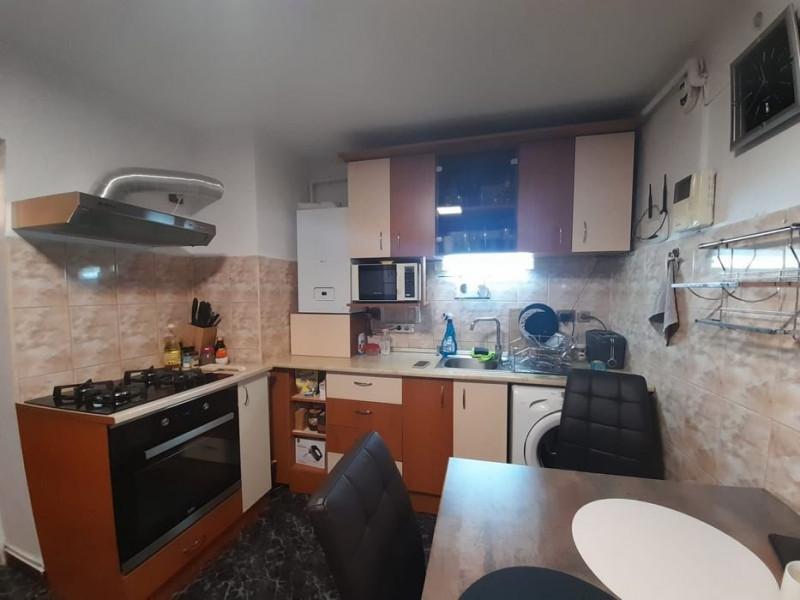 Apartament o camera, curte interioara, Horea
