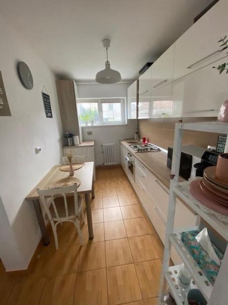 Apartament 2 camere in zona Primaveri