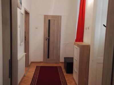Apartament 2 camere decomandat, zona Horea