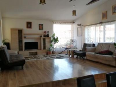 Casa  individuala cu 900mp teren, zona centrala Floresti