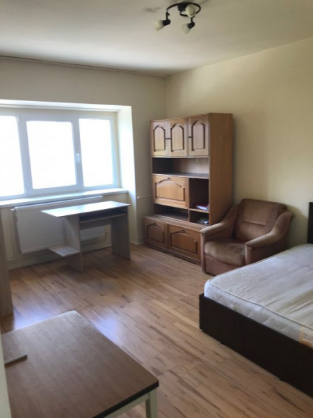 Apartament 2 camere in zona Ion Mesteru