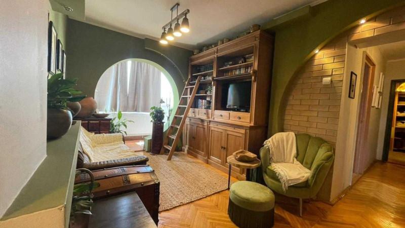 Apartament 3 camere in zona Calea Floresti