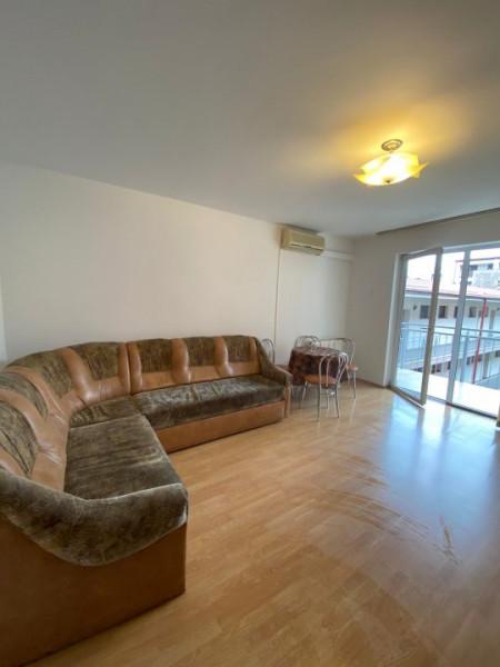 De inchiriat apartament 3 camere Centru