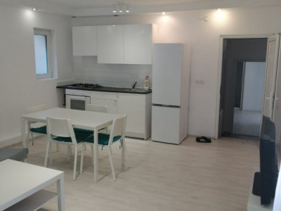 Apartament 3 camere,  zona Platinia